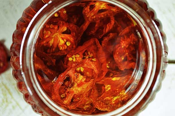 Sun Dried Tomatoes in Olive Oil:How to Sun Dry Tomatoes - So Sweet , taste better than candy. www.puregracefarms.com