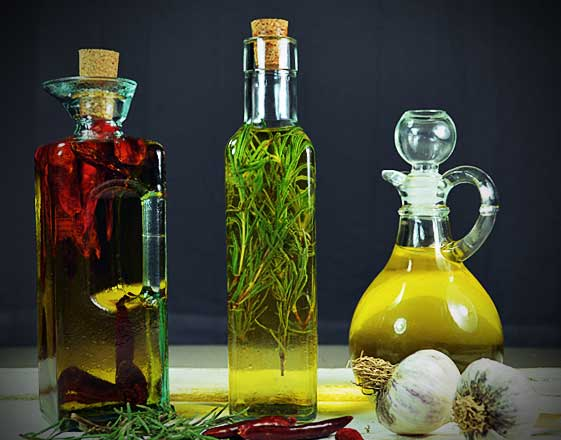 How to make infused oil: Hot Chili, Garlic and Rosemary