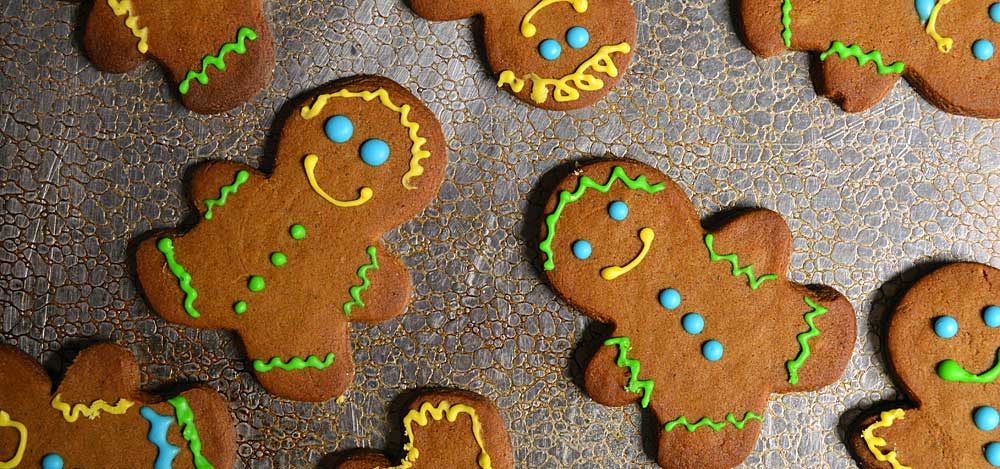 25 Days of Christmas Cookies: Day 7 - Chai Gingerbread Men