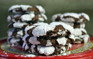 25 Days of Christmas Cookies: Day 9 - Chocolate-Espresso Snowcaps