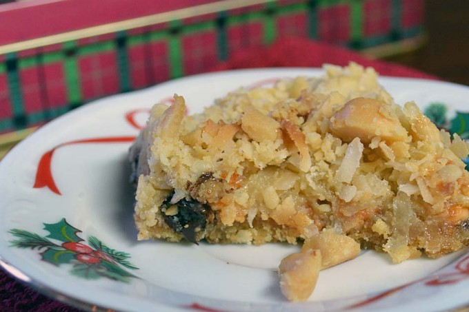 25 Days of Christmas Cookies: Day 11 - Macadamia Nut Dream Bars