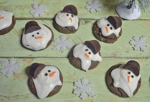 25 Days of Christmas Cookies: Day 15 - Chocolaty Melting Snowmen