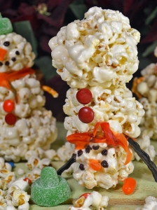 25 Days of Christmas Cookies:Day 21 - Popcorn Snowmen