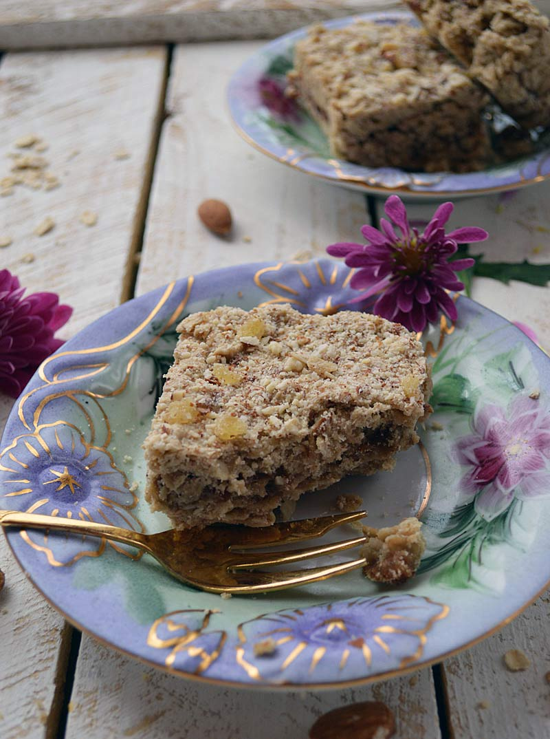 Gingered Date Breakfast Bars: Gluten Free