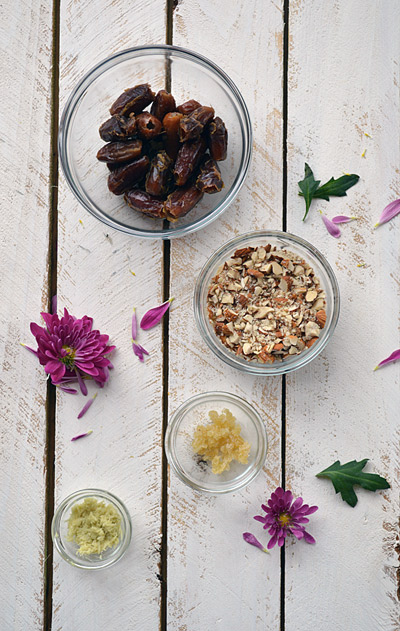Gingered Date Breakfast Bar- Pure and Simple