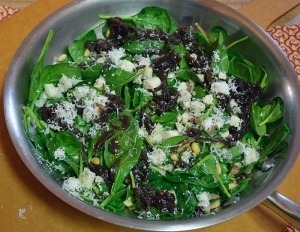 Warm Spinach, Caramelized Red Onion and Gorgonzola Salad: Pure and Simple