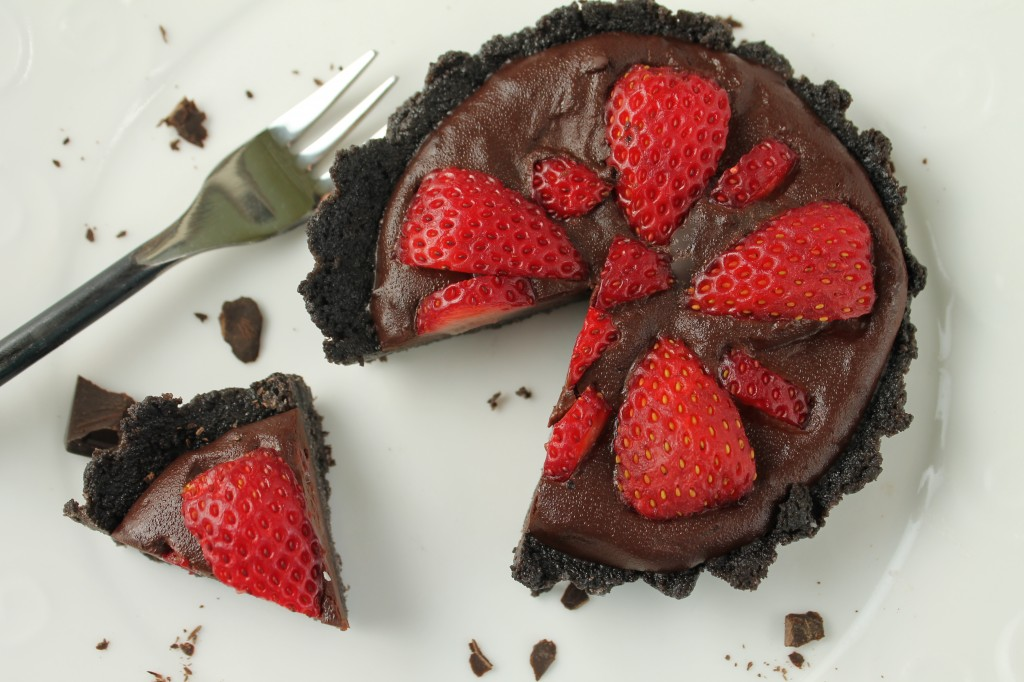 Fresh Strawberry Pie in a Chocolate Cookie Crust: Tessa the Domestic Diva
